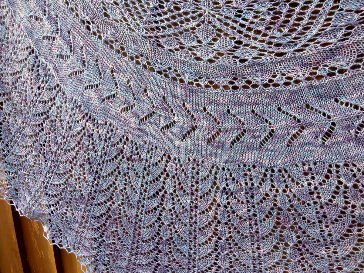 Demelza Shawl | www.thefatedknitter.co.uk