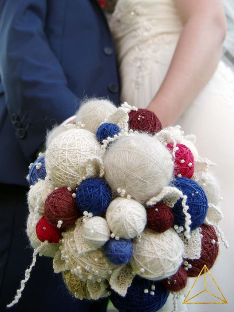 A Yarn Bouquet For A Summer Wedding | www.thefatedknitter.co.uk