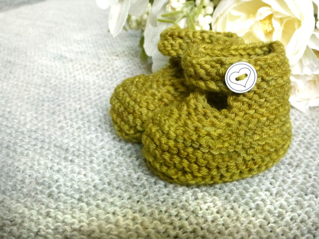 A New Step Knitting Pattern | www.thefatedknitter.co.uk