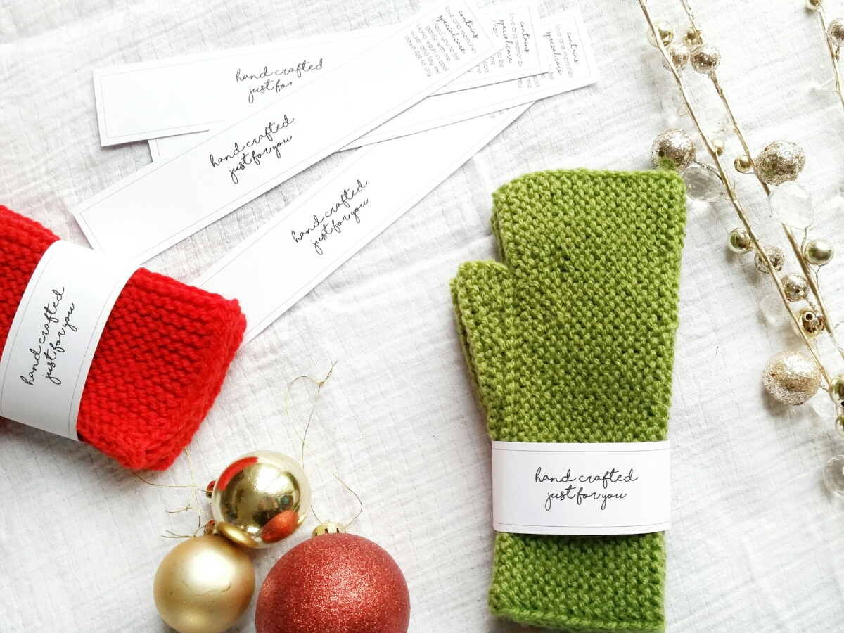 Ancestral Fingerless Mitten Gift Wrap | www.thefatedknitter.co.uk